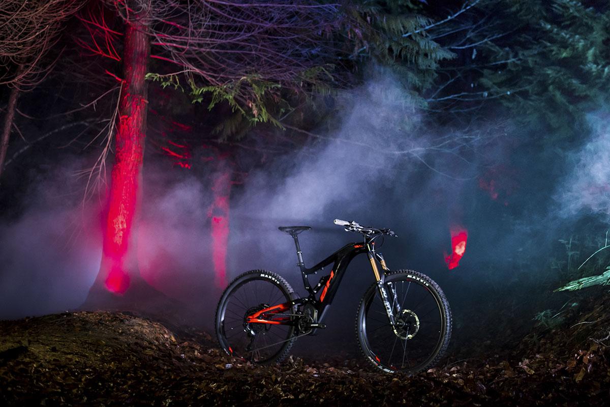 """BH AtomX Carbon 2020: ruedas de 29"""" y batería de 720 Wh"""