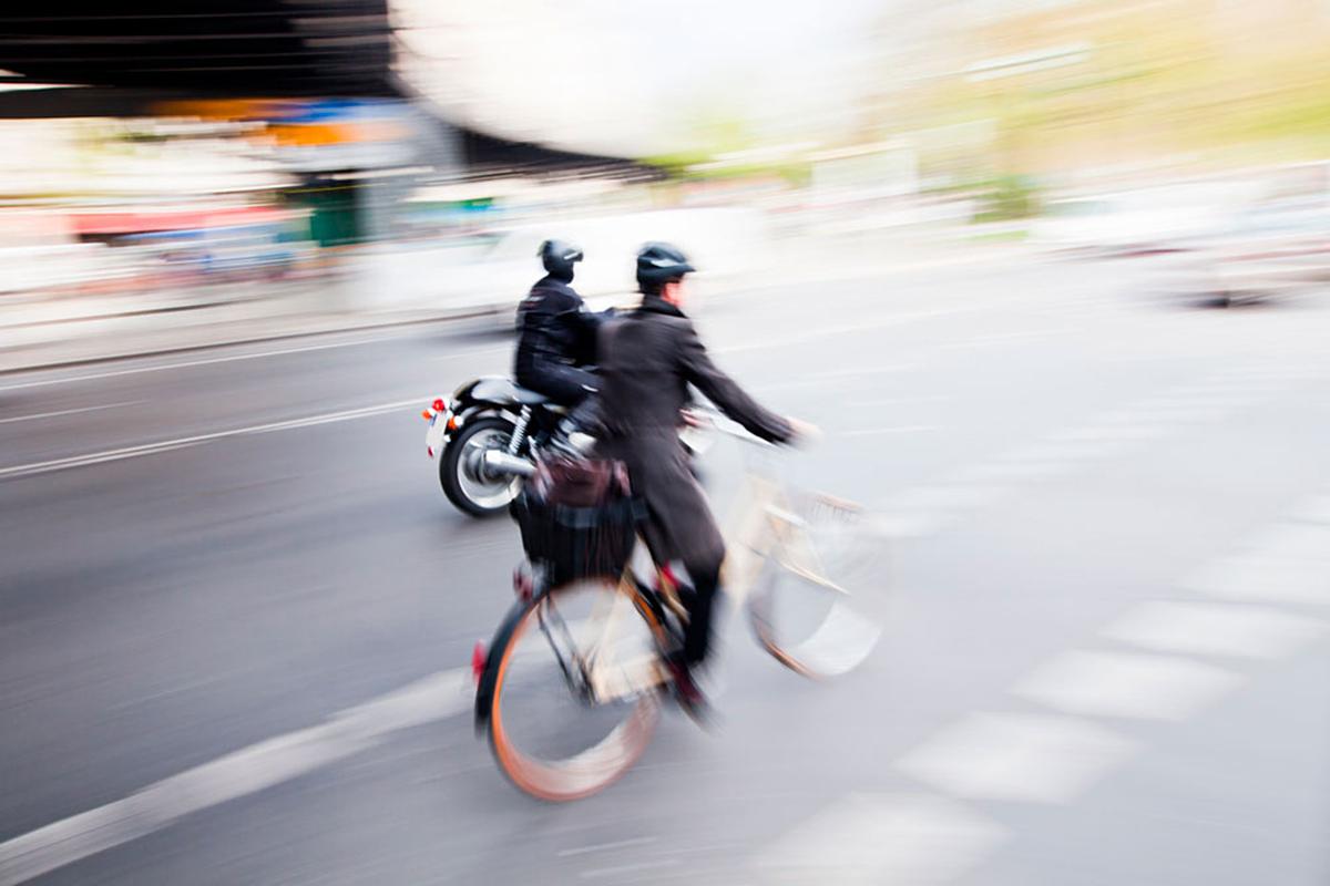 La apuesta de MAPFRE Cuidamos tuMOTO por la convivencia entre moto y bici