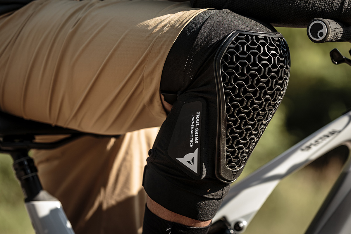 """Dainese Trail Skins 2021 """"made to pedal"""""""