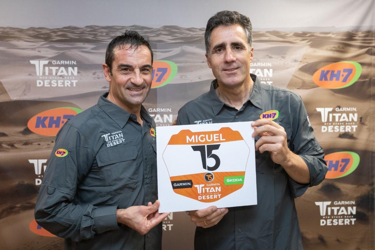 Miguel Indurain con dorsal 15 de la Garmin Titan Desert 2020