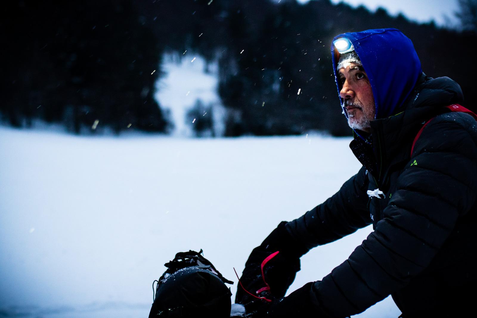 Juan Carlos Nájera rodando por las nevadas pistas.