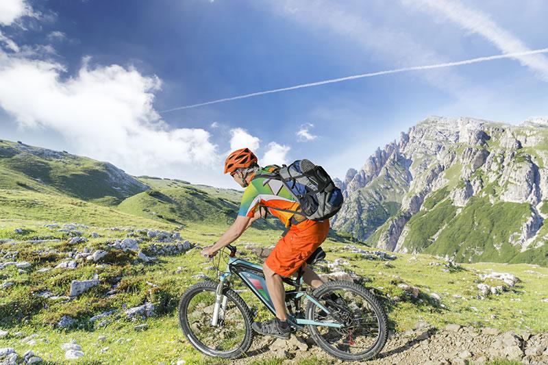 Posición de IMBA sobre el uso de e-bikes en terrenos protegidos