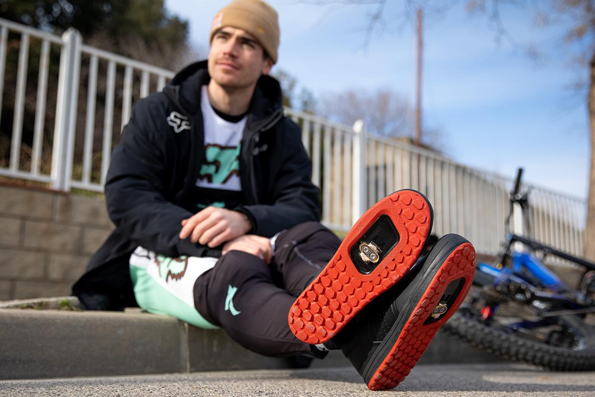 Nuevas zapatillas de descenso Specialized 2FO DH