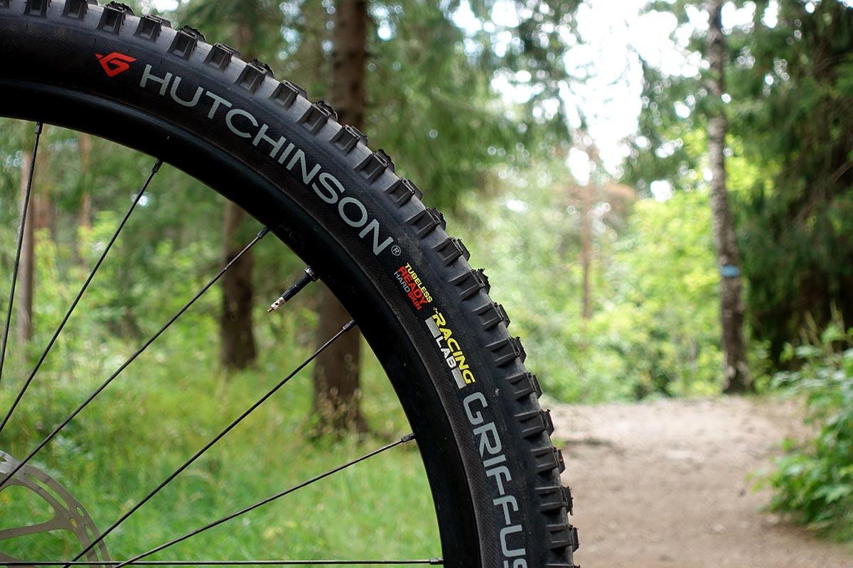 "Hutchinson Griffus 29x2,4-2,5"""