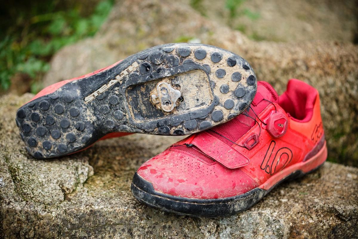 Cómo limpiar tus zapatillas de MTB