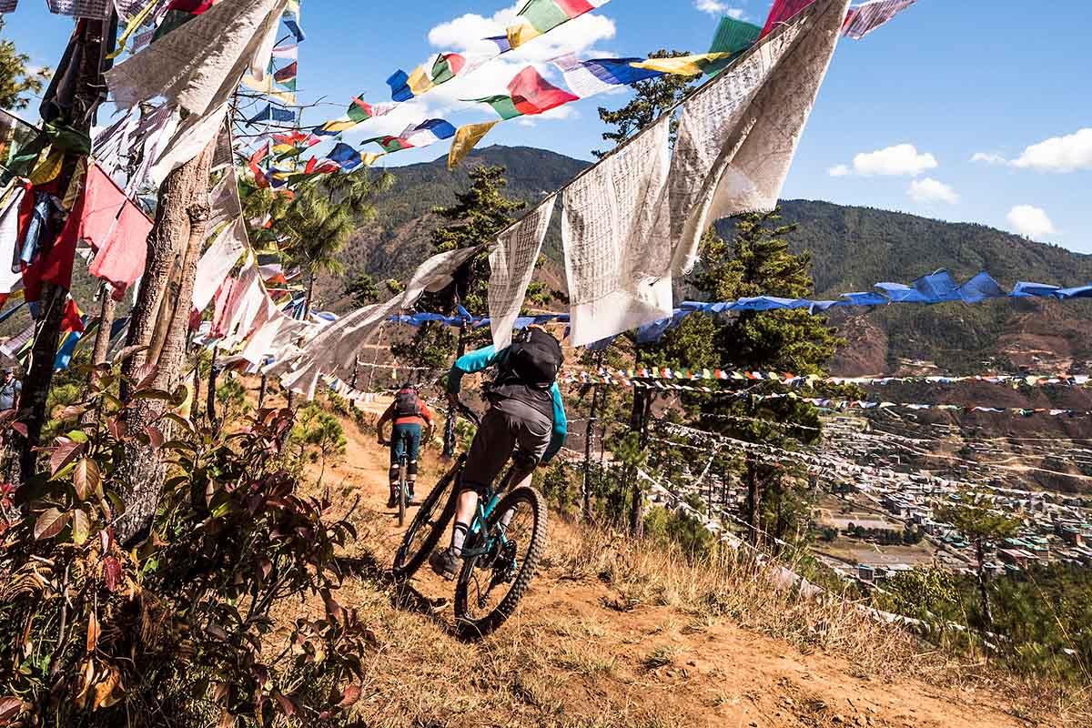 Recorriendo Bután con Dan Milner: Truenos y Dragones