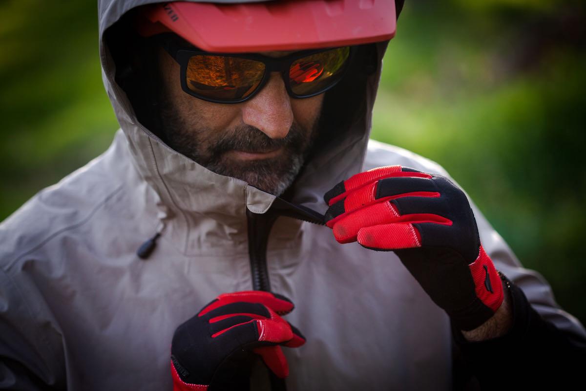 Cómo practicar mountain bike con frío: todo lo que tienes que saber