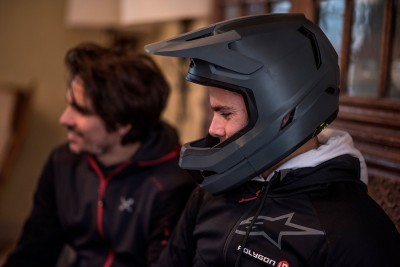 Nuevo prototipo Bluegrass de casco integral en Fort William