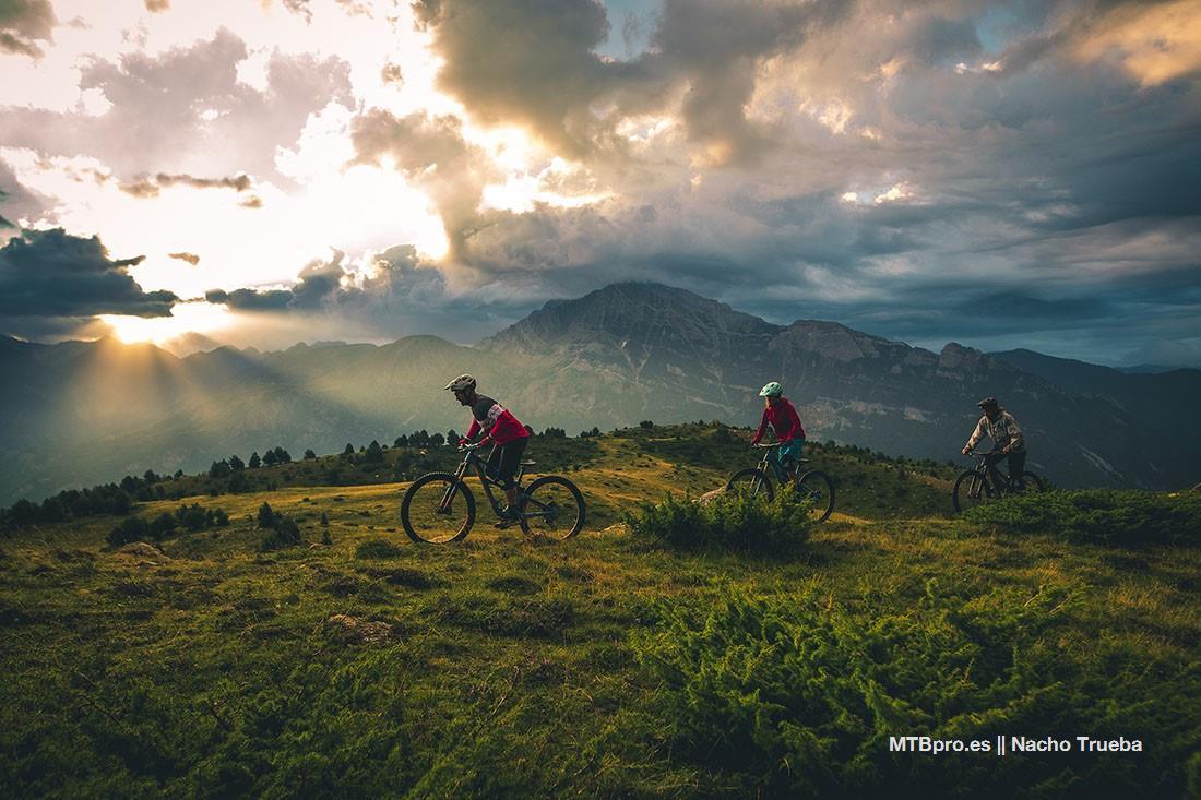 Las bicis de Tierra de Biescas: Santa Cruz Hightower LT, Yeti SB5 e
